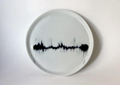 assiette-plate-DPM-decoree-cardiogramme-1