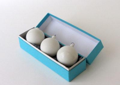 boite-bleue-3boulles-blanc