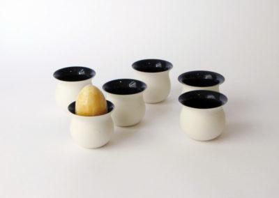 coquetiers-tour-porcelaine-noirs