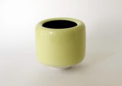vases-tourne-porcelaine-jaune-noir